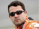 Tony Stewart breaks leg