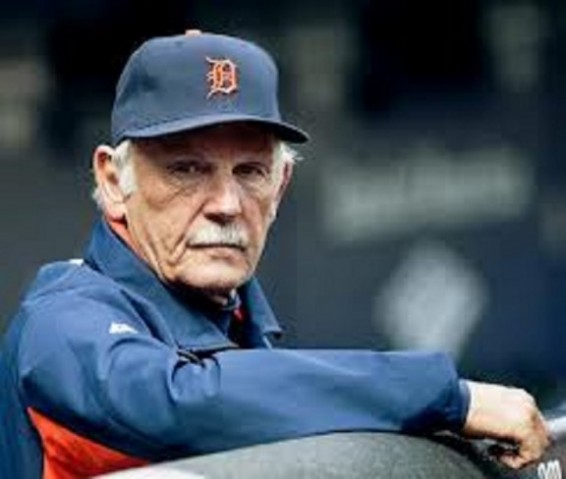 Jim Leyland steps down as Tigers manager