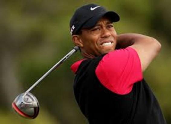 Tiger Woods struggles at the Honda Classic