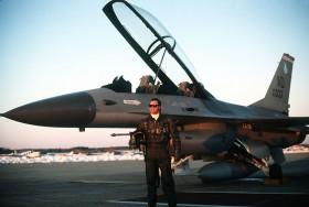 ......McMahon-F16B.wc.5.1.88.D.Sutherland.2.4m