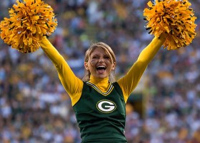 .........Packers.Cheer.9.26.10.M.Morbeck309k